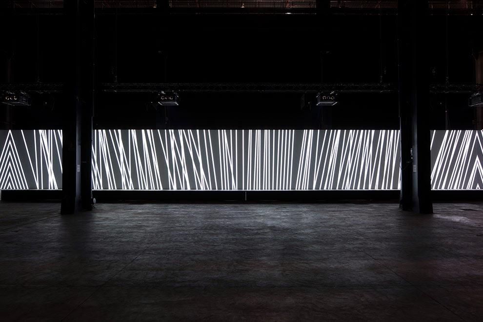 Carsten Nicolai, luci, ombre e suoni